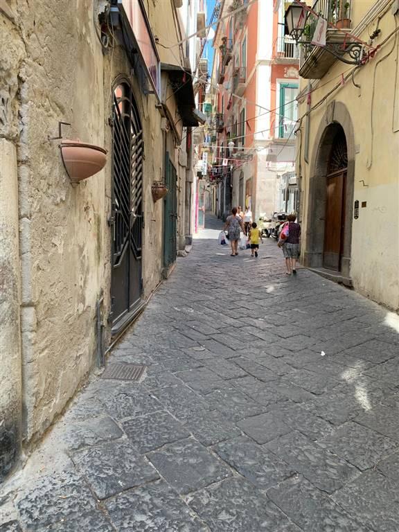 Bilocale in Vicolo Grimoaldo, Centro Storico, Salerno
