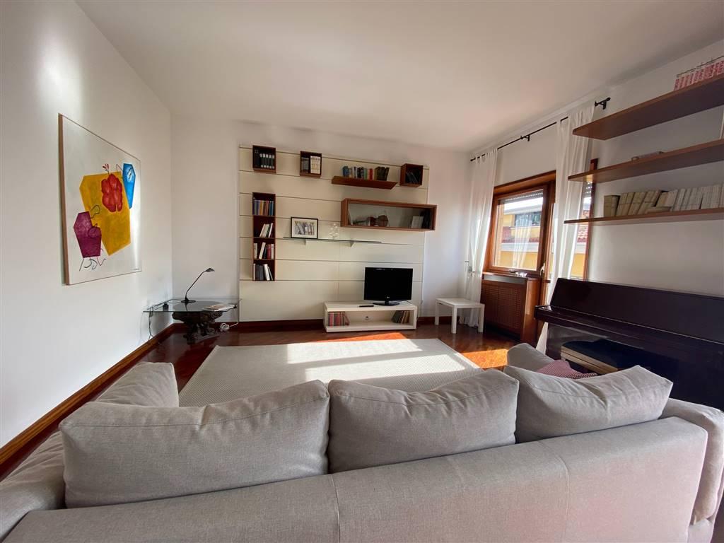 Appartamento in Via Madonna Del Monte 7, Centro, Salerno