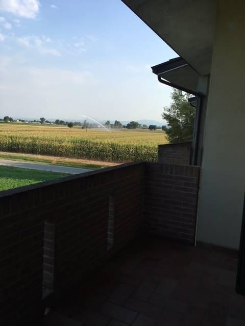 Villa a schiera, Besenzone, in ottime condizioni