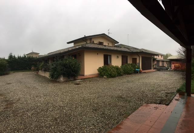 Villa, Fidenza, in ottime condizioni