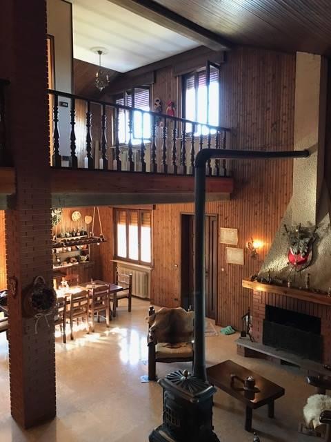 Villa in vendita a Vernasca, 7 locali, Trattative riservate | CambioCasa.it