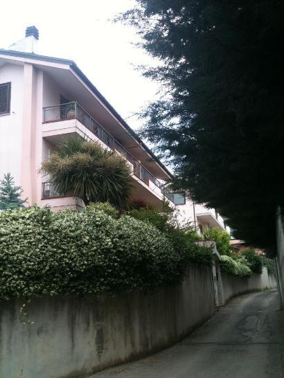 Villa in Via De Renzis Francesco, Casolla, Caserta