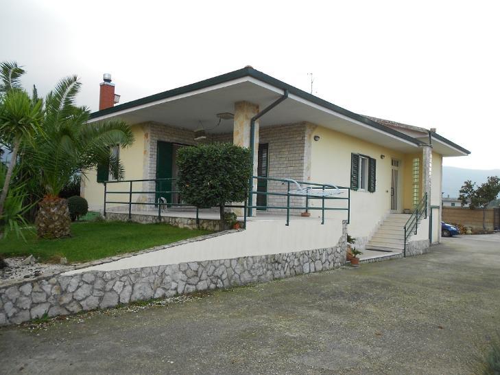 Villa in Via Masseria Della Signora 13, Montesarchio