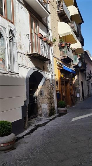 Trilocale in Via Sant'agostino, Centro, Caserta