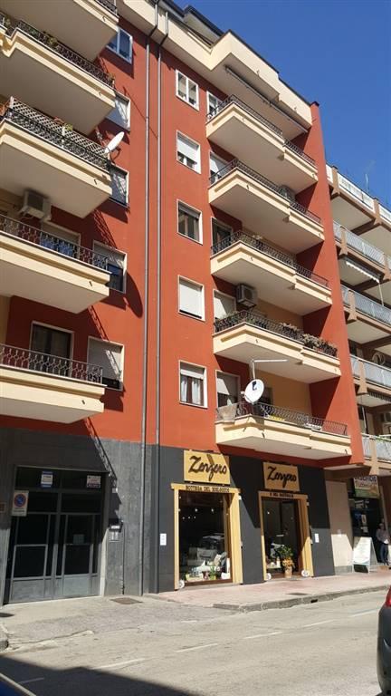 Trilocale in Via Rossi 27, Centro, Caserta