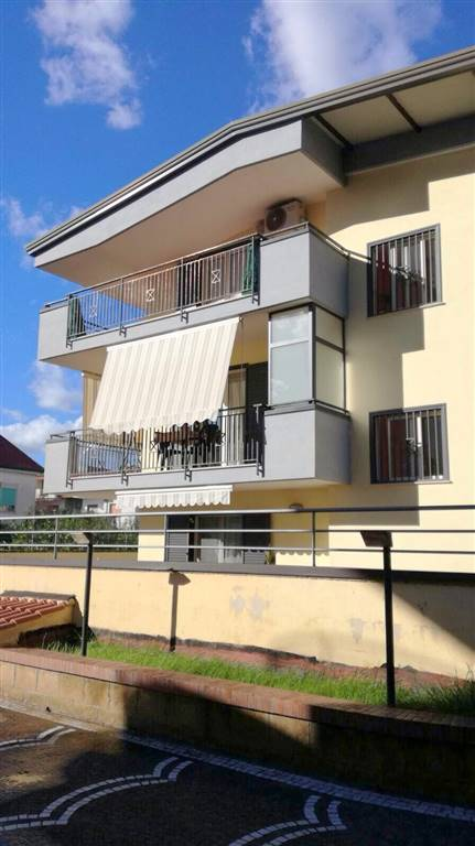 Mansarda in Viale Lincoln, Falciano, Caserta