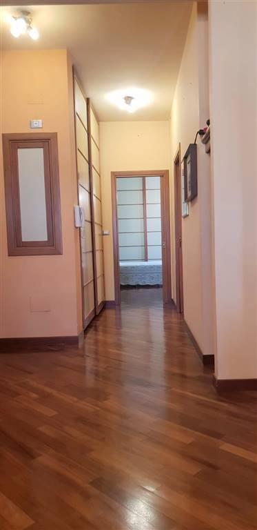 Bilocale in Via Roma  188, Centro, Caserta