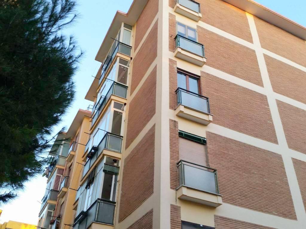 Trilocale in Via Buccini 1, Centro, Caserta