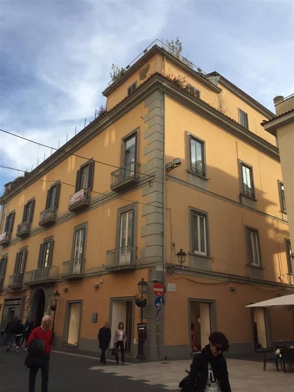 Quadrilocale in Via Mazzini 5, Centro, Caserta