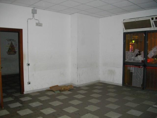 Immobile Commerciale in affitto a Palermo, 9999 locali, prezzo € 3.500 | CambioCasa.it