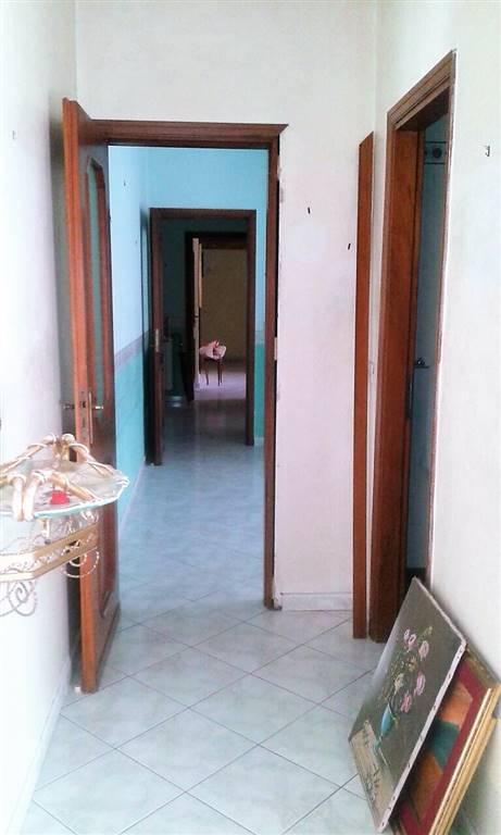 Appartamento in vendita a Palermo, 4 locali, zona Località: ARCHIRAFI, prezzo € 140.000 | CambioCasa.it