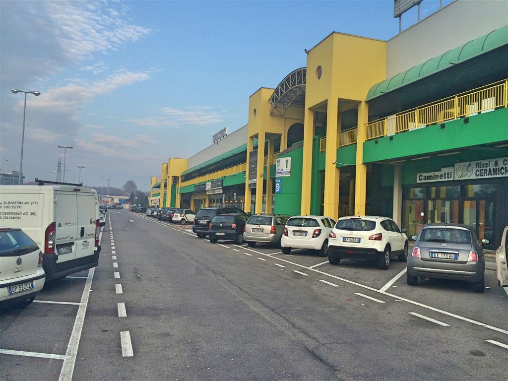 Locale commerciale, Roncadelle