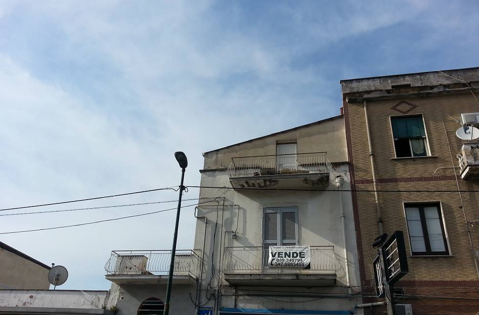 Appartamento in vendita a Pagani, 5 locali, prezzo € 100.000 | CambioCasa.it