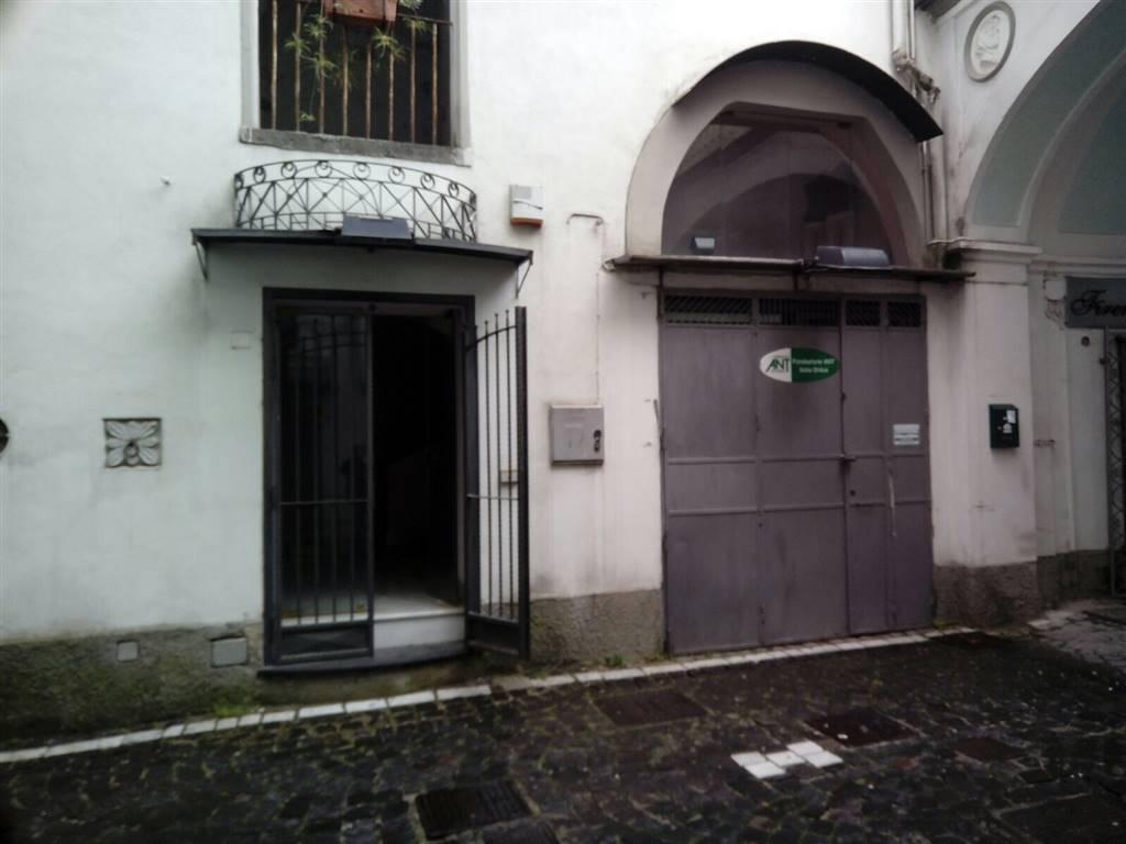 Attività / Licenza in vendita a Cava de' Tirreni, 2 locali, zona Località: CENTRO, prezzo € 59.000 | CambioCasa.it