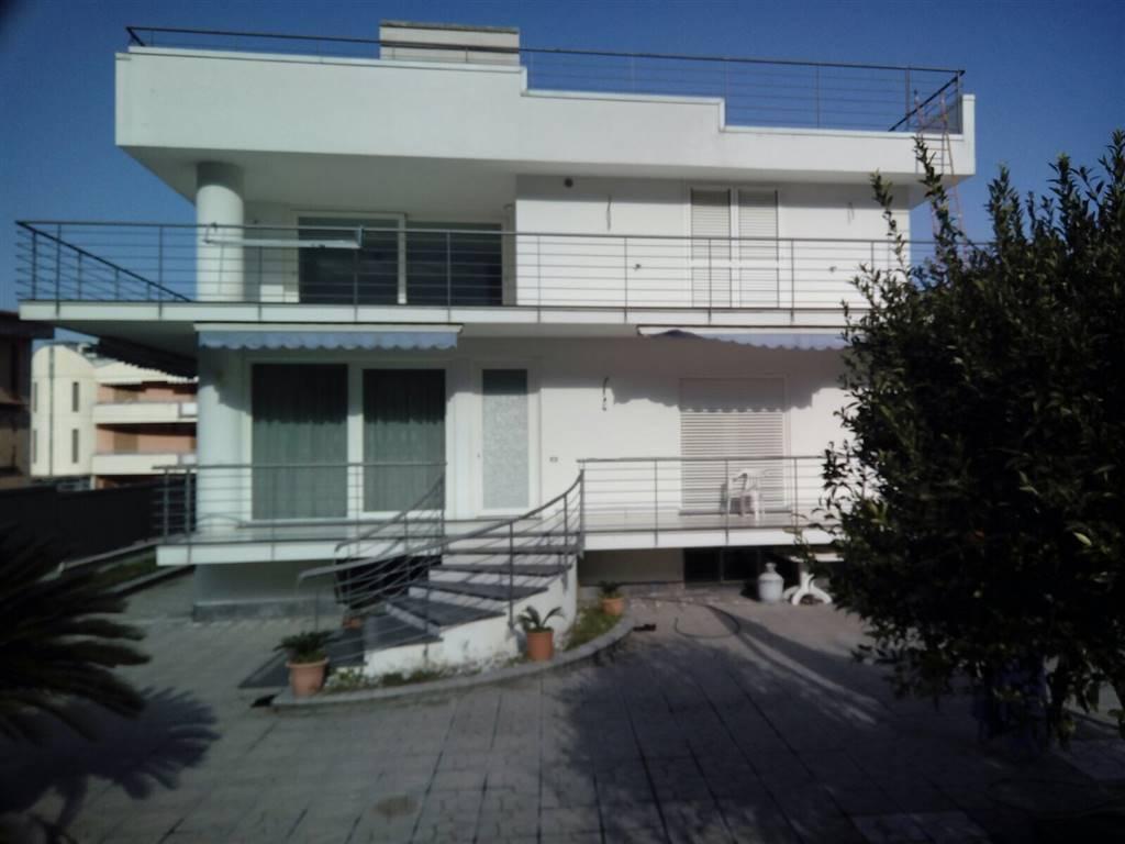 Villa in vendita a Nocera Superiore, 6 locali, Trattative riservate   CambioCasa.it