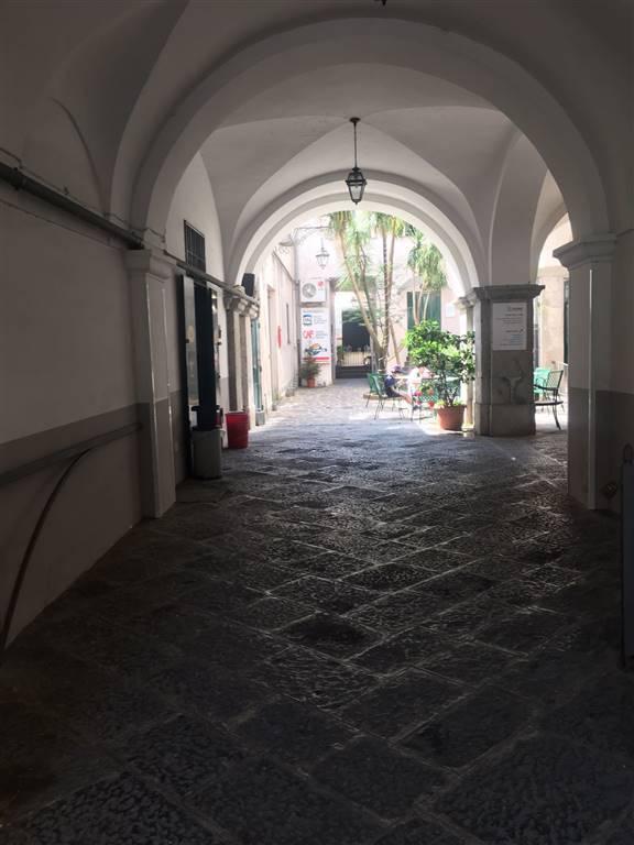 Attività / Licenza in vendita a Cava de' Tirreni, 2 locali, zona Località: CENTRO, prezzo € 120.000 | CambioCasa.it
