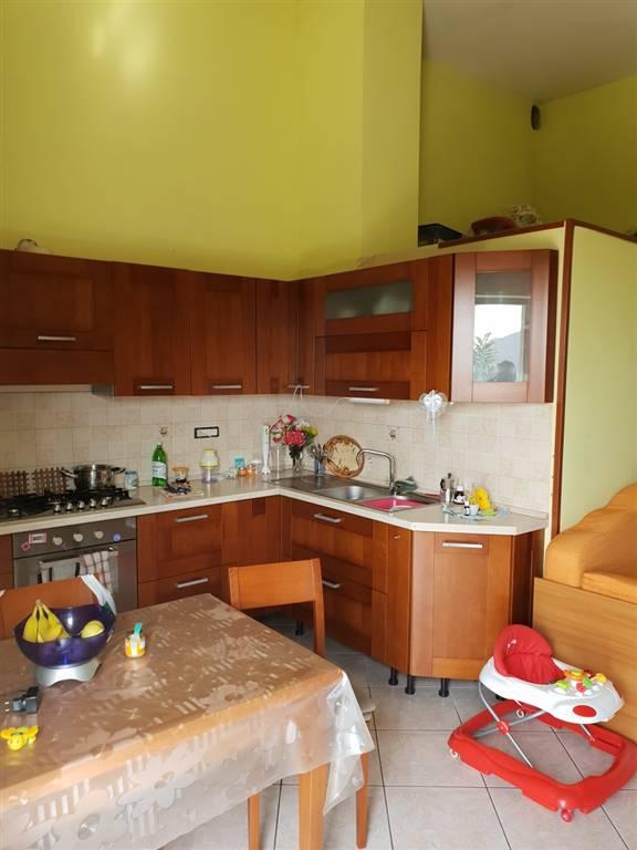 Soluzione Indipendente in vendita a Cava de' Tirreni, 10 locali, zona Località: ANNUNZIATA, prezzo € 350.000   CambioCasa.it