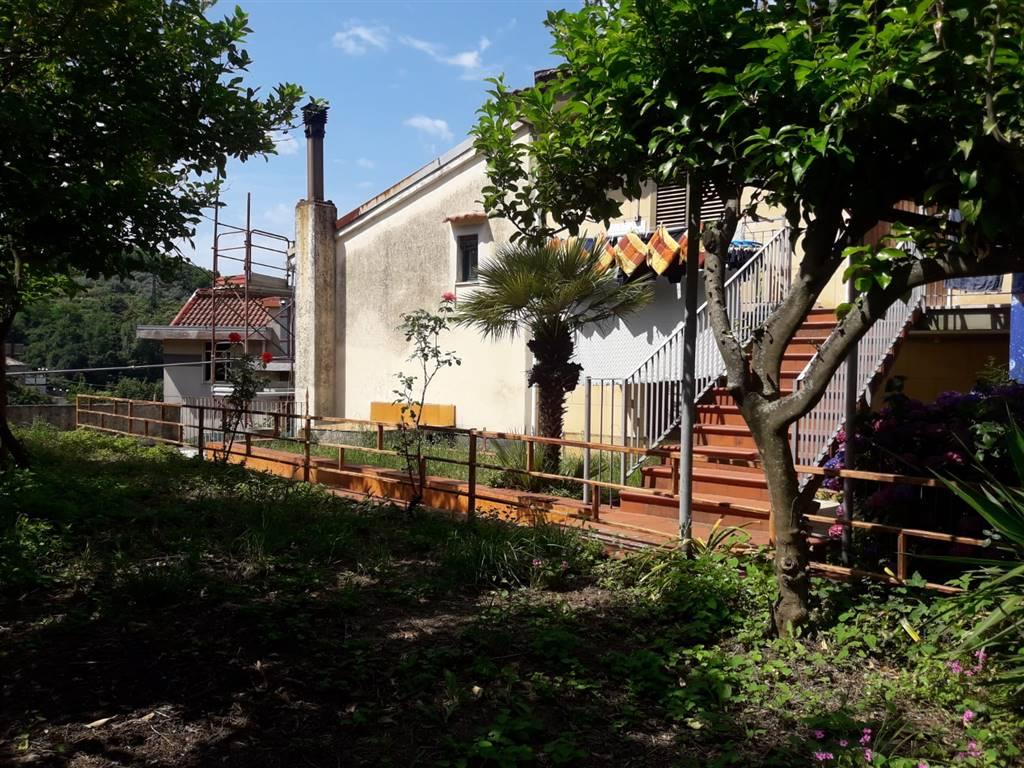 Soluzione Semindipendente in vendita a Cava de' Tirreni, 6 locali, zona Località: SAN PIETRO, prezzo € 270.000   CambioCasa.it