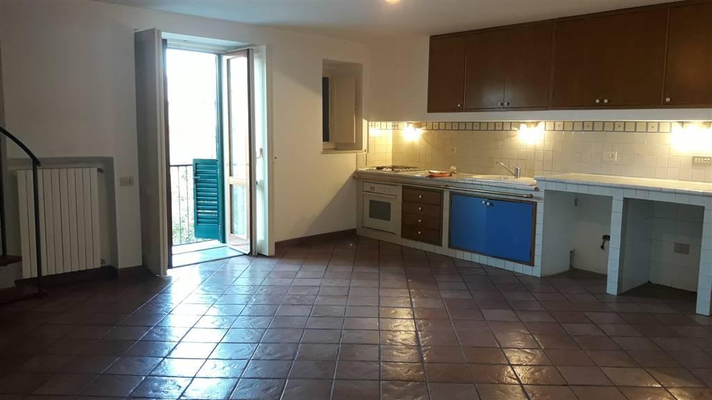 Appartamento in affitto a Cava de' Tirreni, 2 locali, zona Località: PASSIANO, prezzo € 400   CambioCasa.it