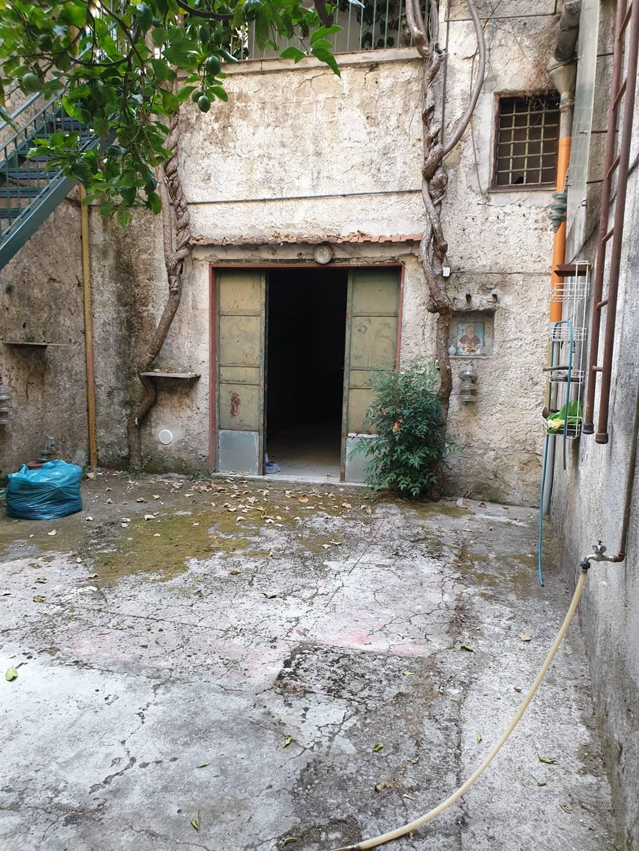 Ufficio / Studio in affitto a Cava de' Tirreni, 1 locali, prezzo € 450   CambioCasa.it