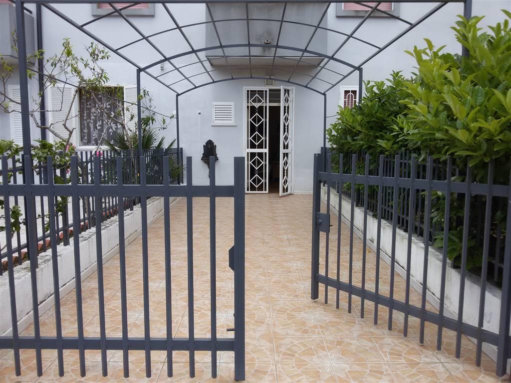 Villa a schiera, Campomarino, abitabile