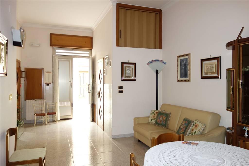 Soluzione Indipendente in vendita a San Severo, 2 locali, prezzo € 45.000 | CambioCasa.it