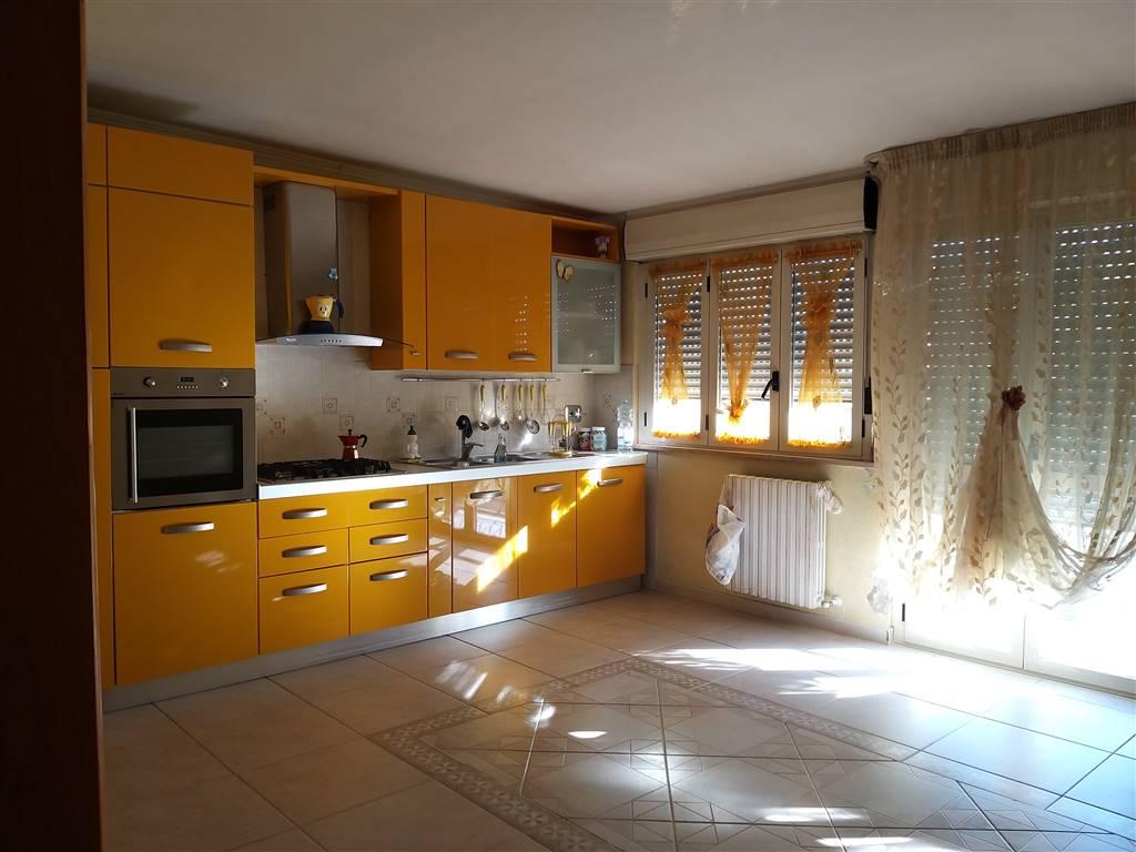 Appartamento in vendita a San Severo, 4 locali, prezzo € 140.000 | CambioCasa.it