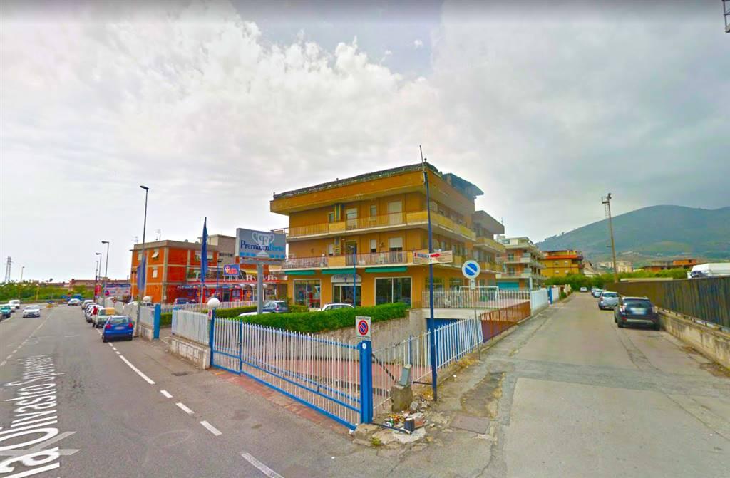 Appartamento in vendita a Formia, 6 locali, prezzo € 220.000 | CambioCasa.it