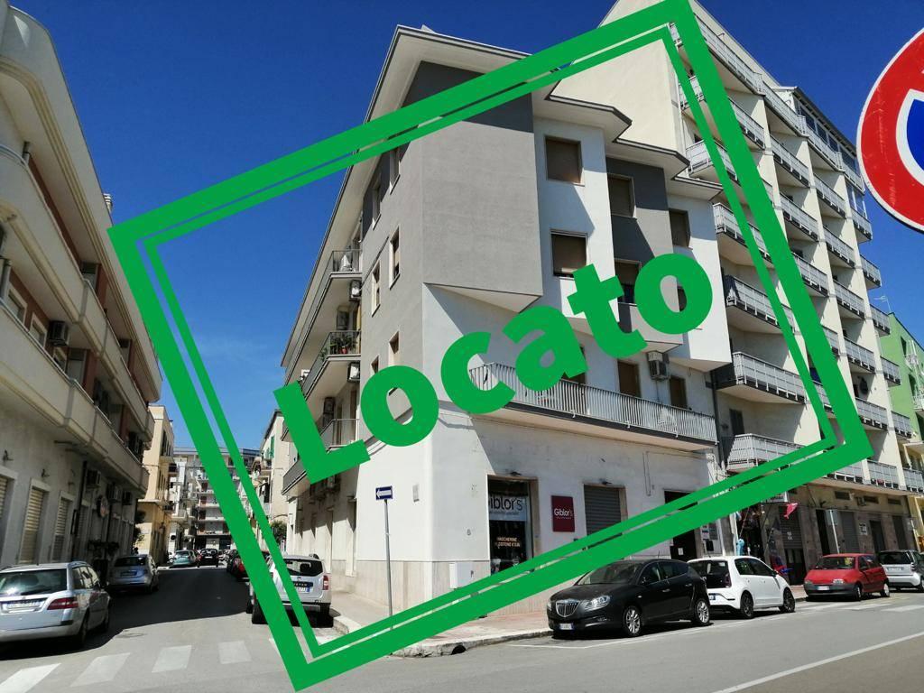 Ufficio / Studio in vendita a Monopoli, 5 locali, prezzo € 900 | CambioCasa.it