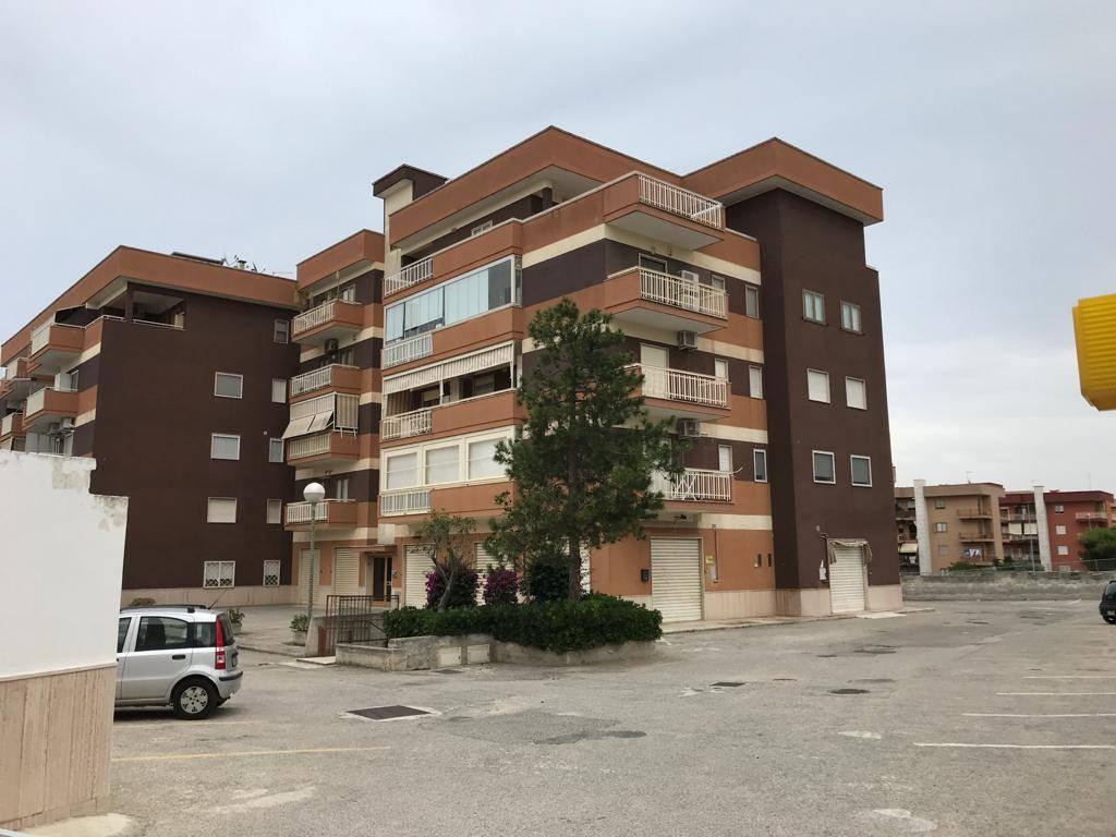 Magazzino in vendita a Monopoli, 9999 locali, prezzo € 70.000 | CambioCasa.it