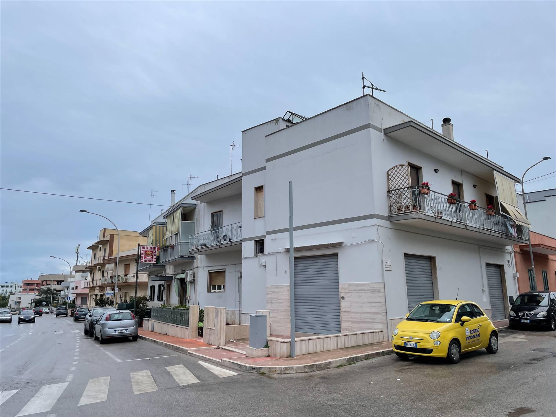 Negozio / Locale in affitto a Monopoli, 1 locali, prezzo € 950 | CambioCasa.it