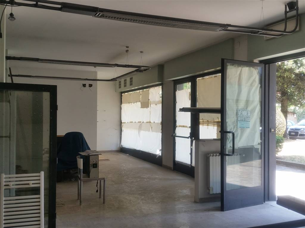 NOVOLI, FIRENZE, Office for sale of 280 Sq. mt., Energetic class: G, composed by: 5 Rooms, 2 Bathrooms, Parking space, Price: € 395,000