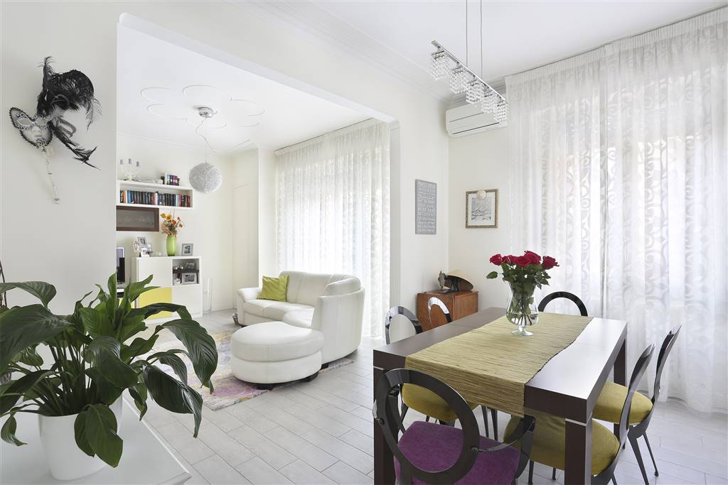CAMPO DI MARTE, FIRENZE, Apartment for sale of 115 Sq. mt., Restored, Heating Individual heating system, Energetic class: G, placed at 1°, composed