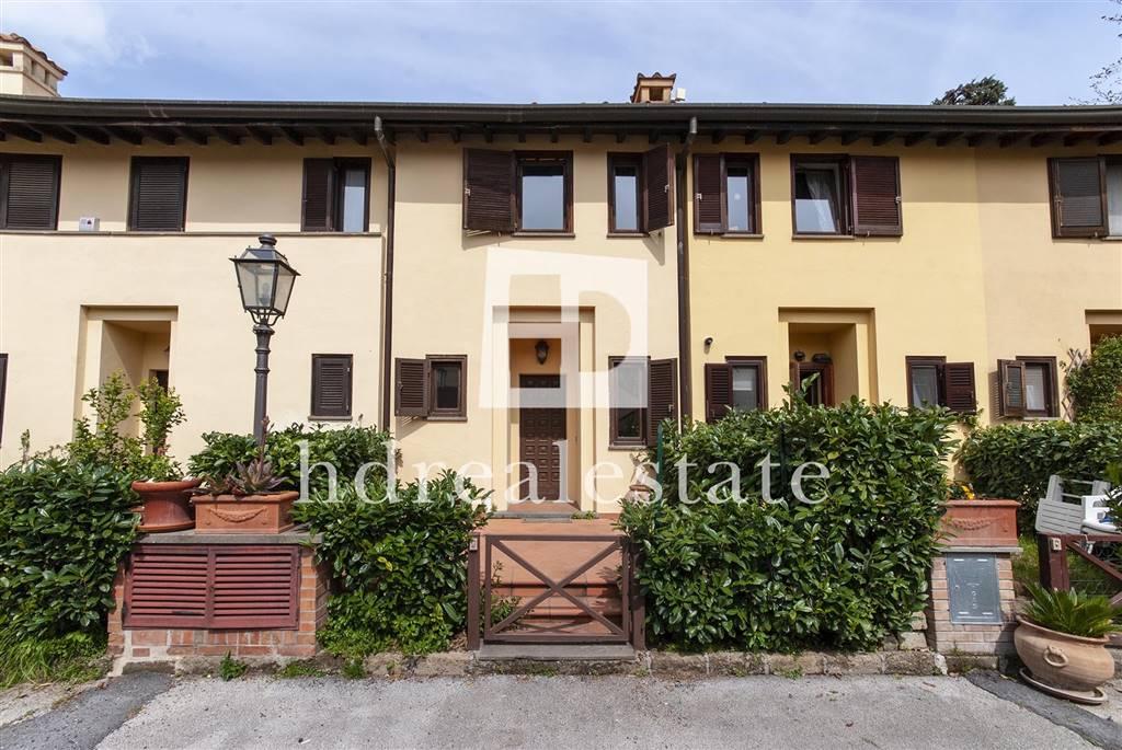 Villa a schiera in Via Santo Spirito 12, Castel Gandolfo