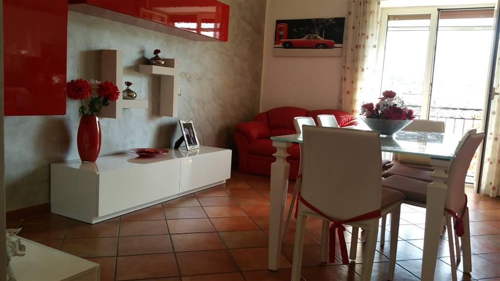 Trilocale in Via Dei Casali, Fratte, Salerno