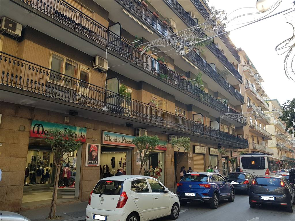 CARMINE, SALERNO, Apartment for sale of 110 Sq. mt., Excellent Condition, Heating Individual heating system, Energetic class: G, placed at 1°,