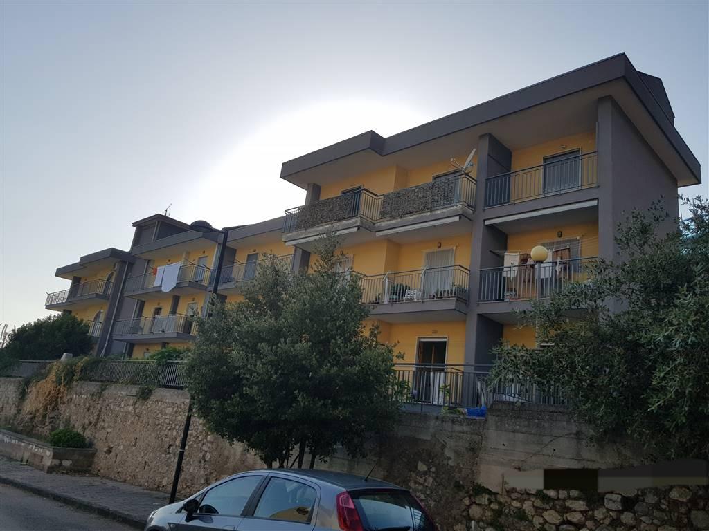 Trilocale, San Mango Piemonte