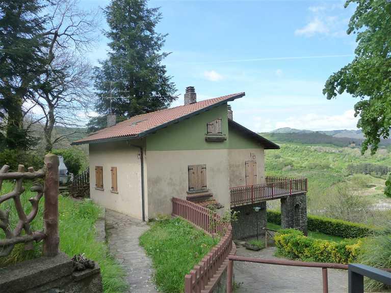 Villa in vendita a Arcidosso, 9 locali, prezzo € 185.000 | CambioCasa.it
