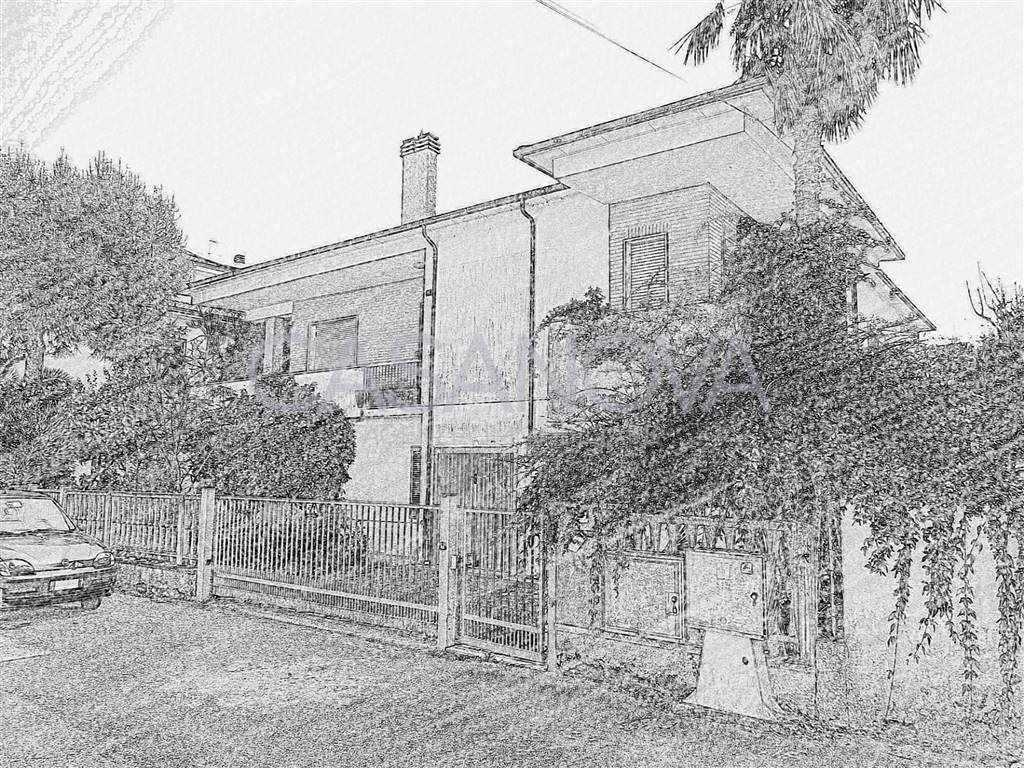 Villa in GIULIANOVA 360 Sq. mt. | 10 Rooms - Garage