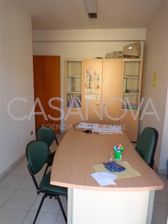 Ufficio / Studio in vendita a Giulianova, 5 locali, zona Località: ALTA, prezzo € 115.000 | CambioCasa.it