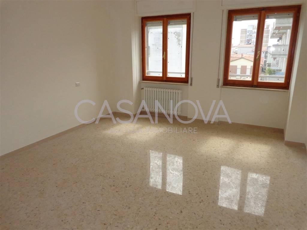 Appartamento in affitto a Giulianova, 4 locali, prezzo € 600   CambioCasa.it