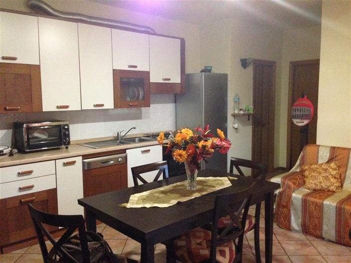 Vendita bilocale tavola prato abitabile piano terra - Ingrosso bevande piano tavola ...