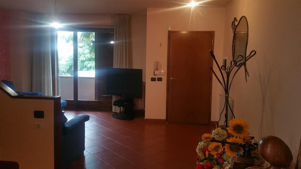 Villa a schiera, Santa Maria a Colonica, Prato, abitabile