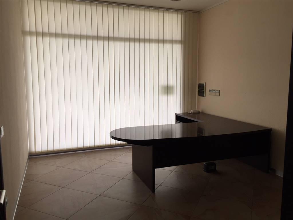 Ufficio, Paperino, Prato, in ottime condizioni