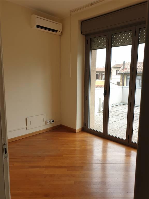 Ufficio, Beccaria, Oberdan, Firenze, in ottime condizioni