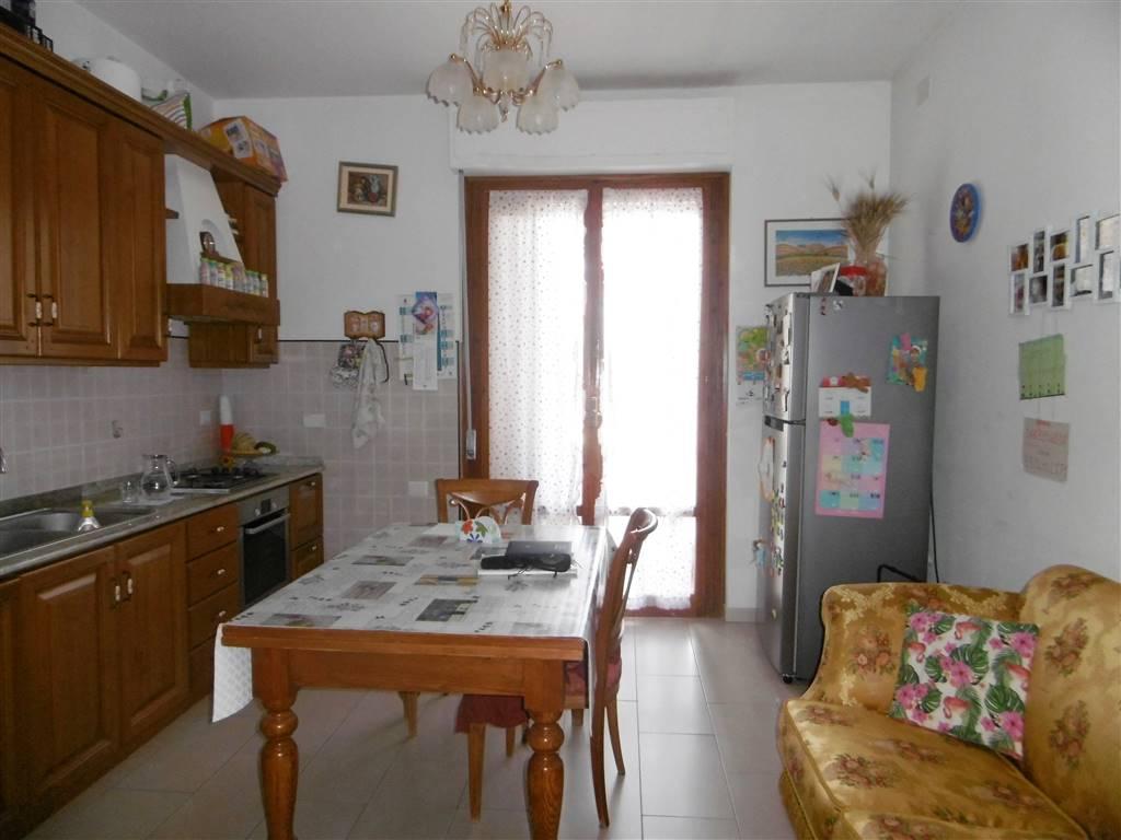CaseFirenze - Trilocale in Via Di Mezzo, San Martino, Campi Bisenzio