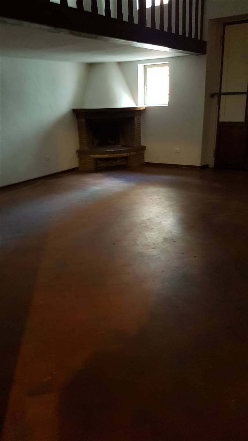 CURE, FIRENZE, Apartment for rent of 170 Sq. mt., Habitable, Heating Individual heating system, Energetic class: G, placed at 1° on 4, composed by: 5