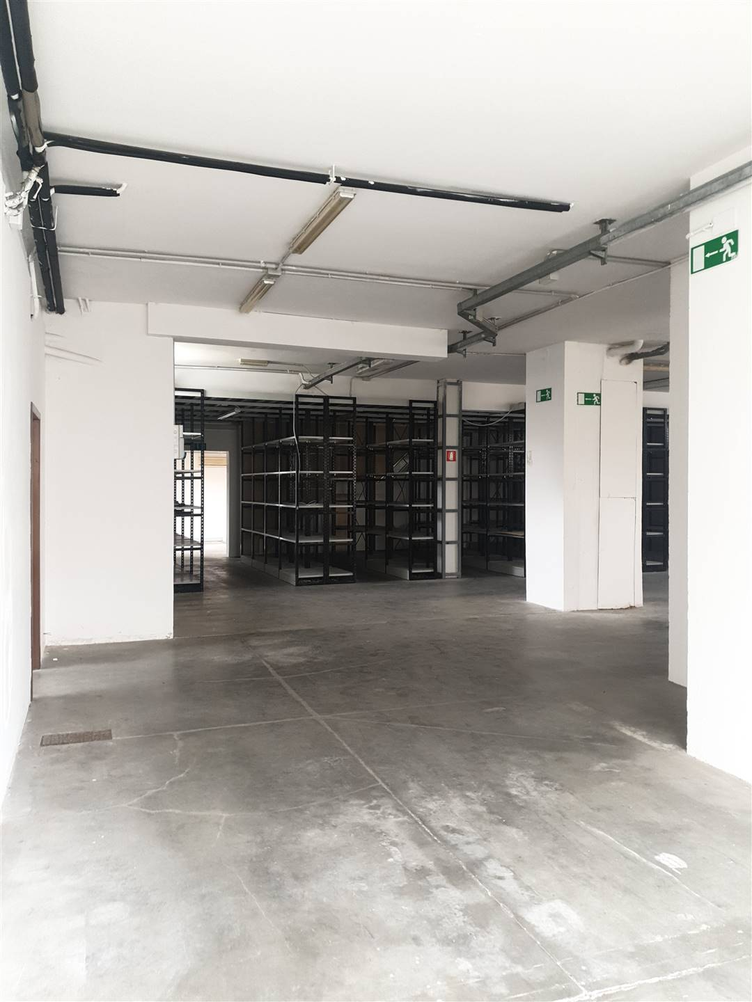 SETTIGNANO, FIRENZE, Industrial warehouse for rent of 420 Sq. mt., Good condition, Heating Individual heating system, Energetic class: G, placed at