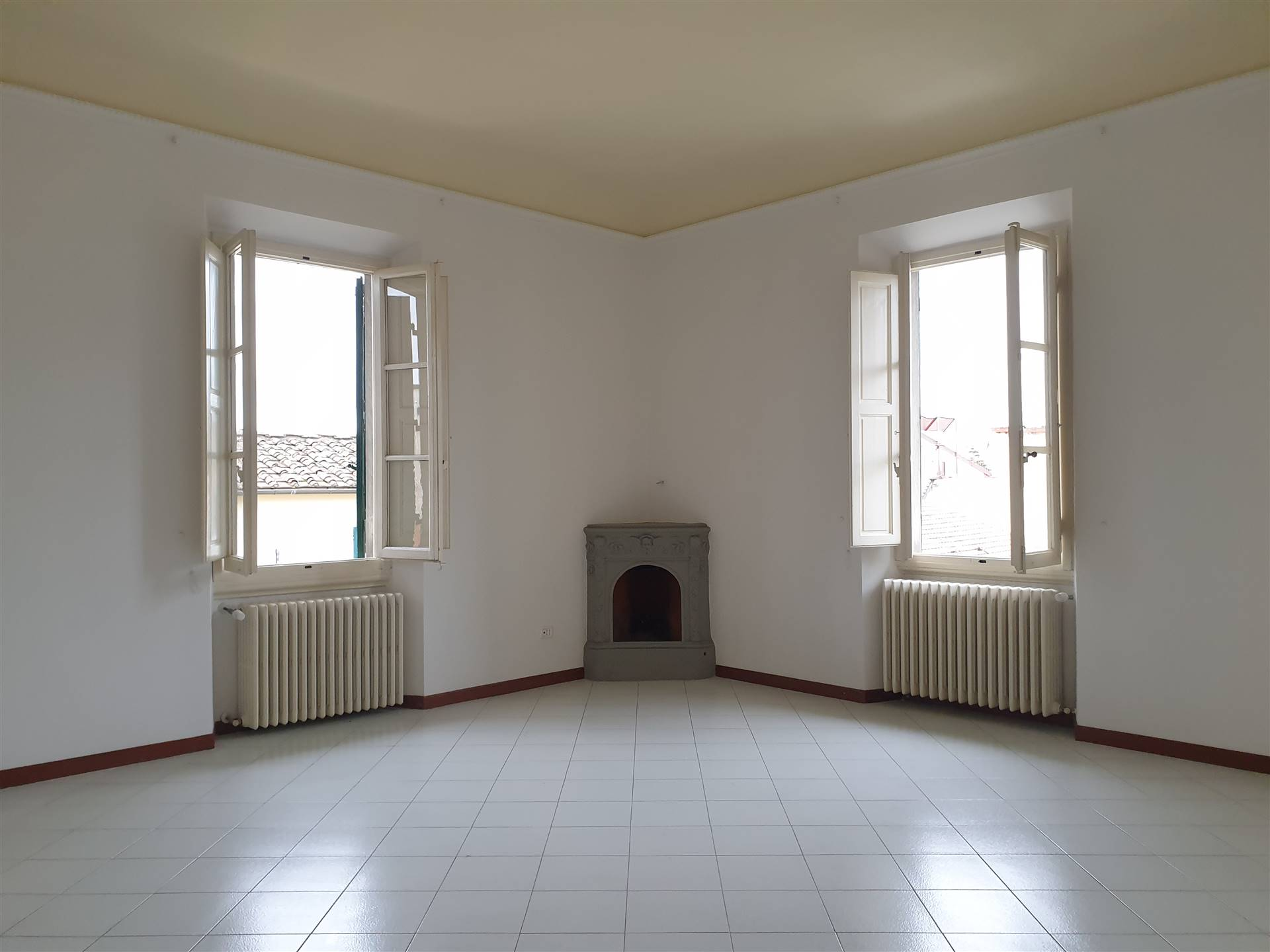GRAMSCI, SESTO FIORENTINO, Office for rent of 105 Sq. mt., Restored, Heating Individual heating system, Energetic class: G, placed at Ground on 2,