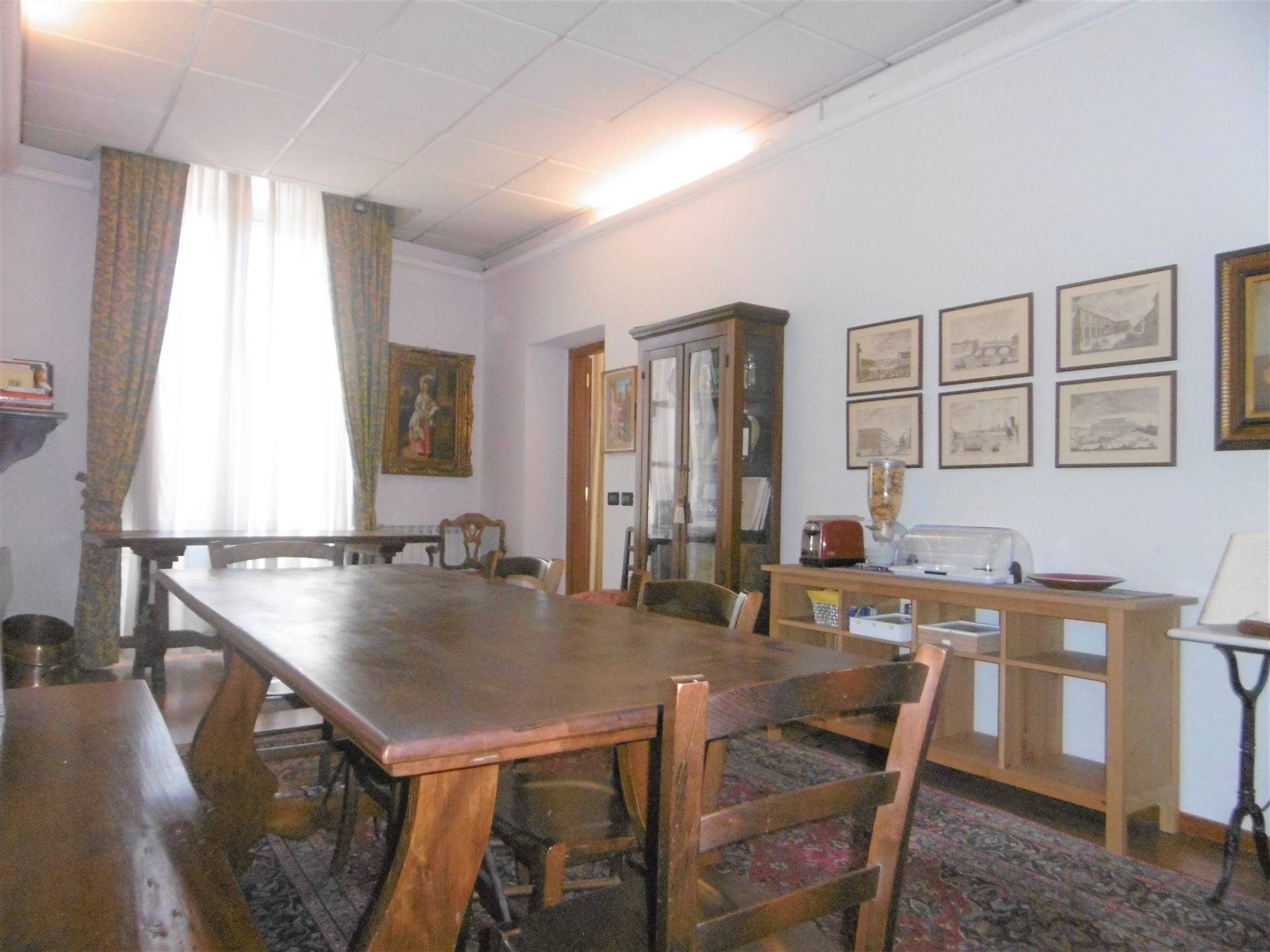 LIBERTÀ, FIRENZE, Apartment for sale of 239 Sq. mt., Restored, Heating Centralized, placed at 2° on 5, composed by: 10 Rooms, Separate kitchen, , 7